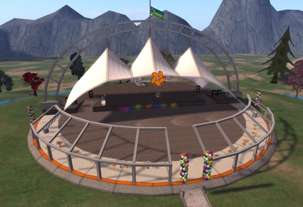 2015-05-20-OSGrid-Event-Plaza-Empty-Stage