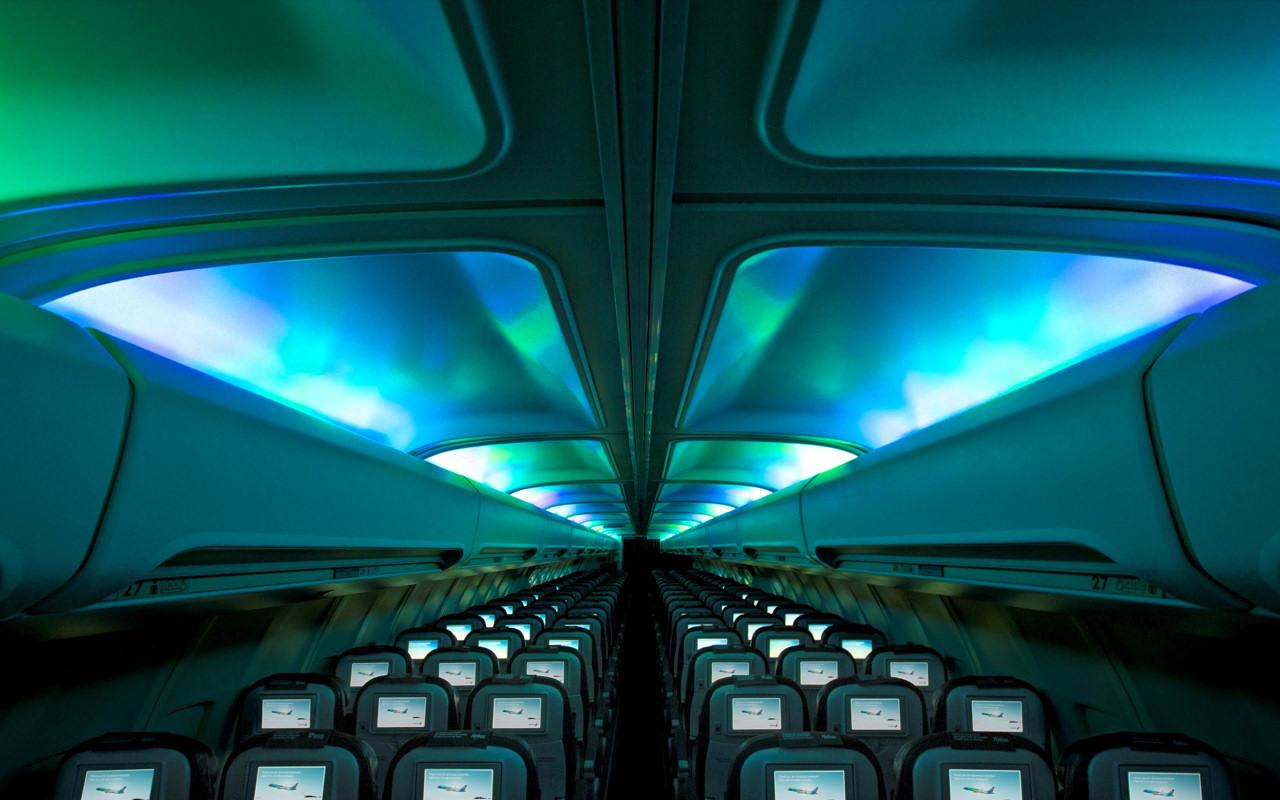 Icelandair-Cabin-Aurora-Lights-1 ...