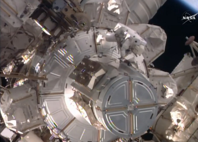 2016-01-15-ISS-Live-Airlock